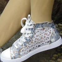 Jeniffer Lace Style Converse from sniksa