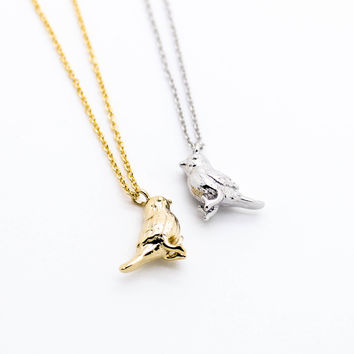 Pretty bird necklace