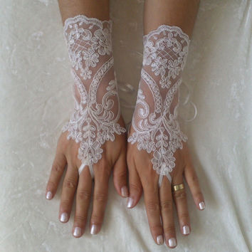 FREE SHIP Ivory Wedding gloves free ship bridal gloves lace gloves fingerless gloves french lace gloves