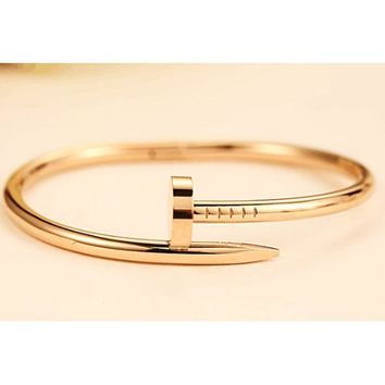 PEAPJ1A Cartier exquisite fashion personality nail bracelet F