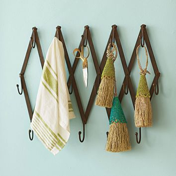 Expandable Diamond Coatrack