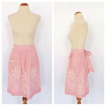 Vintage Sweet Retro 1950's 60's Pink and White Checkered Embroidered Cotton Apron Kitchen Diner Housewife Pin Up Girl Kitsch Waitress Folk