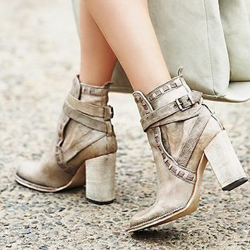 FP Collection Womens Heirloom Heel Boot