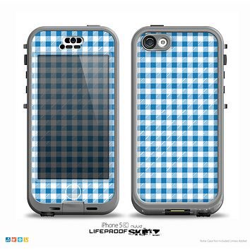 The Blue and White Woven Plaid Pattern Skin for the iPhone 5c nüüd LifeProof Case