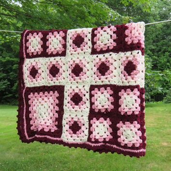 Vintage crochet afghan throw lap blanket in burgundy red rose pink off-white 51 x 39 in
