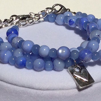 Periwinkle Blue Beaded Bracelet with Silver Pewter Heart Set of 3, Stackable Bracelet, Stacking Bracelet, Love Bracelet, Shabby Chic, Pretty