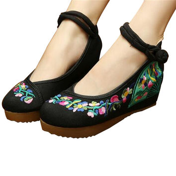 Chinese Embroidered Shoes Women Ballerina  Cotton Elevator shoes embroidered fan Black