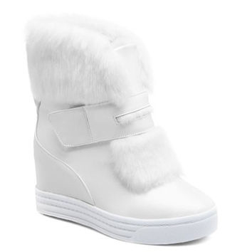 Fashionable Women's Short Boots With Velcro and Increased Internal Design