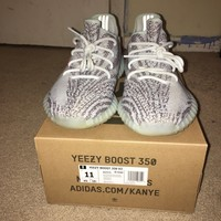 yeezy boost 350 v2 blue tint size 11