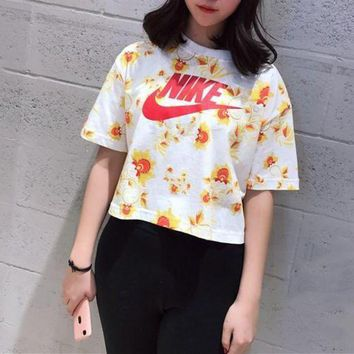 PEAP2Q nike floral print cropped top tee t shirt-1