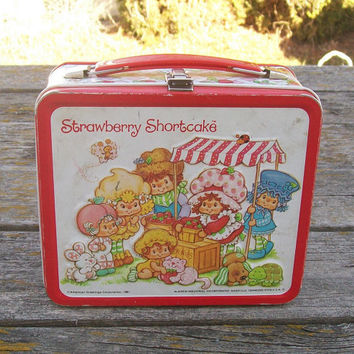 Vintage Strawberry Shortcake and Friends Lunchbox 1981 American Greetings Corporation