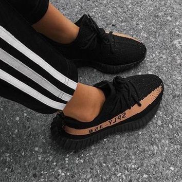 Adidas Yeezy 550 Boost 350 V2 Trending Women Men Casual Movement Running Shoe Sneakers Black Khaki