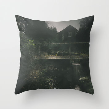 Don´t stare Throw Pillow by HappyMelvin