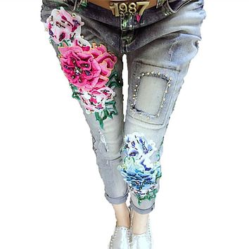 3D Embroidery Jeans Women 2017 Fashion Denim Embroidered Flowers Embroidery Scratched Jeans Woman Casual Skinny Beading Pants