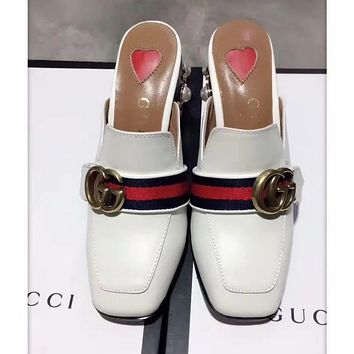 GUCCI Tide brand pearl rivet square head double G buckle head low heel red sandals white