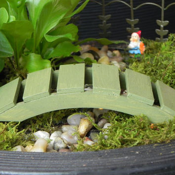 Fairy Garden Bridge miniature - footbridge fern green