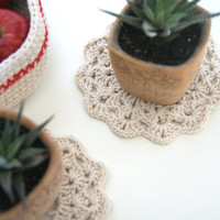 Crochet flower coasters and basket, rustic home decor, set of 2 napkins and basket, beige basket and napkins, nursery decor, 100% cotton