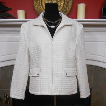90s, Ladies, White, Quilted, Lined, Padded, Jacket, Front Zippered, Long Sleeve, Snap Pockets, Inside Pocket, Up/Down Collar, Women's 2X/18W