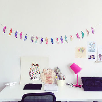 FEATHER BUNTING