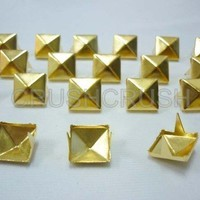 FREE SHIPPING 100x5mm Gold Pyramid.. on Luulla
