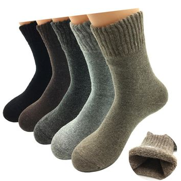 5 Pairs/Lot 2017 New Fashion Thick Wool Socks Men Winter Cashmere Breathable Socks 5 Colors  Hot Sale