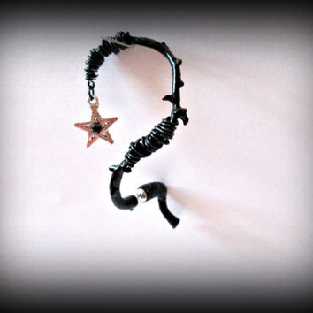 thorne ear cuff-black color ear cuff-gothic ear cuff-steampunk ear cuff-left ear cuff-pierced ear cuff-pentacle ear cuff-halloween jewellery
