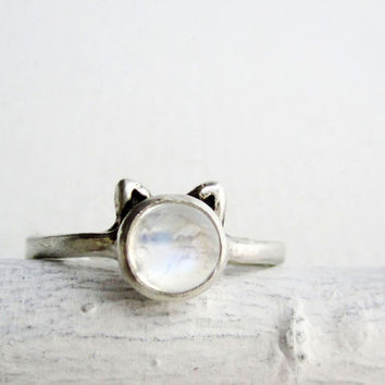 White Cat Ring,HIGH GRADE Rainbow Moonstone and Sterling Silver, Made to Order