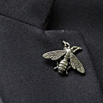 1pcs Exquisite Retro Antique Three-dimensional Metal Cute Bee Insect Brooch Broach Needle Party Accessories Jewelry Wholesale