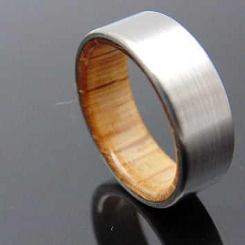 Jack Daniels Wood ring with titanium