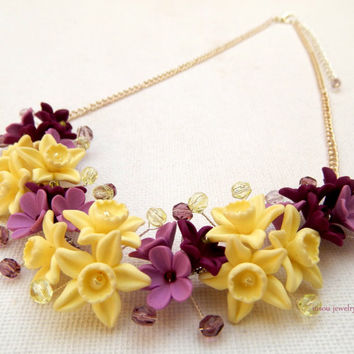 Vanilla - Flower necklace - Spring jewelry - Lavender necklace - Handmade polymer jewelry