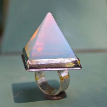 Opalescent  Pyramid Ring