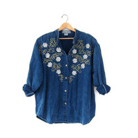 STOREWIDE SALE...vintage 80s blue denim jean shirt. denim floral top.