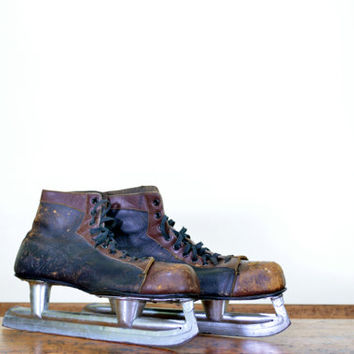 Vintage Hockey Skates, Vintage Ice Skates, Leather Hockey Skates, Mens Ice Skates, Hockey Decor, Hockey Decorations, Johnsons Skate, Chicago