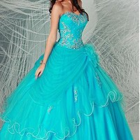 Buy discount Alluring Tulle Sweetheart Neckline Floor-length Ball Gown Quinceanera Dress at Dressilyme.com