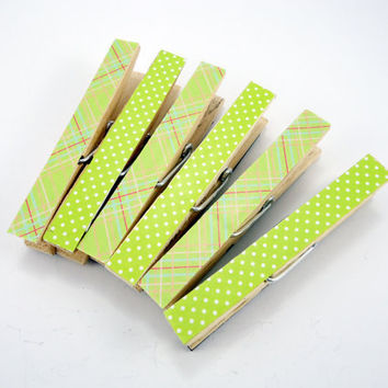 Clothespin Magnets set, Refrigerator Magnets, Decorated clothespins, fridge magnets, Mothers Day gift, set of 6, Green plaid polka dot