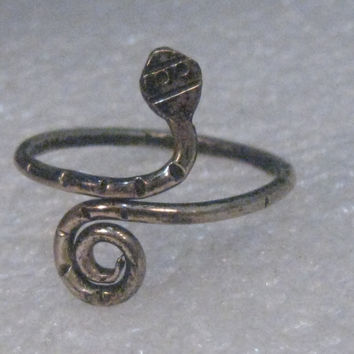 Vintage Sterling Silver Snake Ring, Coiled Tail, size 6.5, 1.52 grams. signed, Mexico