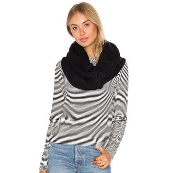 Plush Chunky Knit Neckwarmer Black