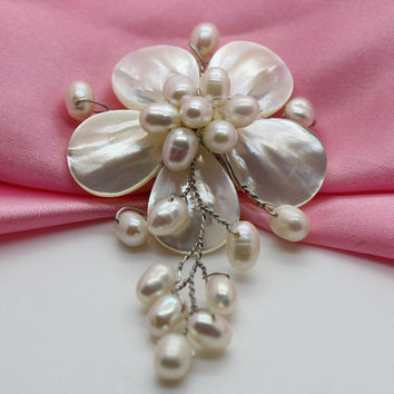 Natural Freshwater pearl Brooch handmade Flower Brooch Pin, Wedding Bride Bridesmaid Jewelry.