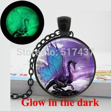 2015 New Fashion Glow in the dark Blue Wing Dragon Necklace Glass Art Print Jewelry  glowing Dragon Necklace  pendant