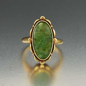 Vintage First Class 10K Gold Green Jade Art Deco Ring