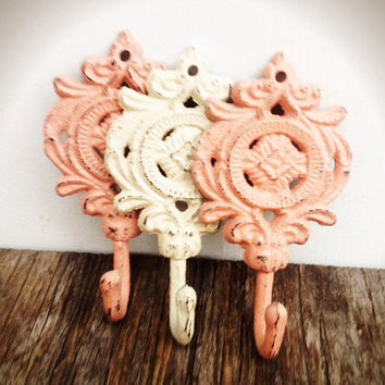 Set Of 3 Ornate Medallion Wall Hooks - Dusty Rose Pink & Ivory White - Rustic Floral