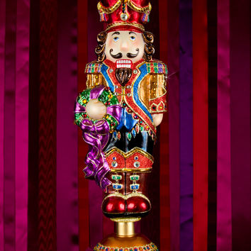 Medium Nutcracker Figurine - Jay Strongwater
