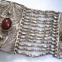 Vintage Silver and Carnelian Egyptian Link Bracelet from the 1930s