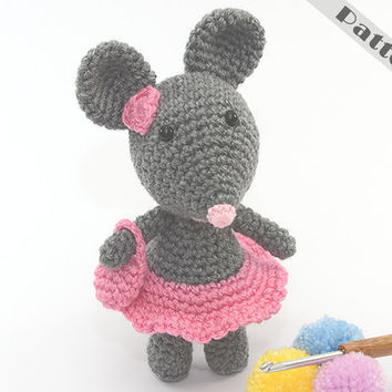 Miss Mini Mouse Soft Toy, Ornament With Her Hand Bag CROCHET PATTERN Amigurumi