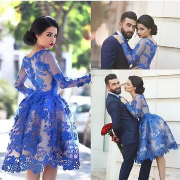 2016 Royal Blue Sheer Long Sleeves Lace Cocktail Dresses Scoop Knee Length Short Homecoming Party Gowns Prom Dresses Vestidos
