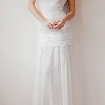 Beautiful lace wedding dress boho vintage bride capped sleeve low back