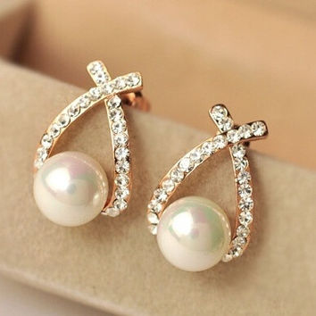 014 new new Korean elegant temperament all-match Cross Diamond Pearl Stud Earrings factory direct (Color: Gold) = 1958461444
