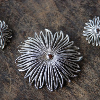 Vintage MONET Brooch Clip On Earrings Silver Tone Abstract Floral Mad Men Mid Century Demi Parure 1960's // Vintage Designer Costume Jewelry