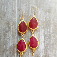 everyday jewelry fashion long  DUAL cherry wine red  pomegranate drop jade stones gemstone earrings textured matte golden Israel