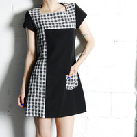 Vintage 90s Black and White Daisies Checkered Mod Dolly Mini Dress S-M
